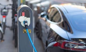 APIA: Autoturismele ecologice au ajuns la o cotă de 11,6% în totalul pieței auto din România