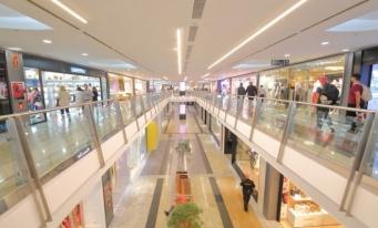 "Colliers: Parcurile comerciale, noua ""vedetă"" a pieței de retail"