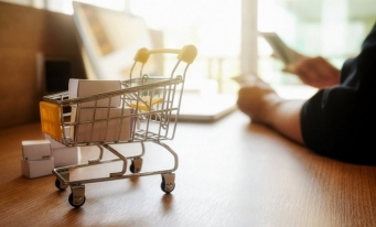 ARMO: Cifra de afaceri din comerțul electronic s-a dublat în ultimii patru ani
