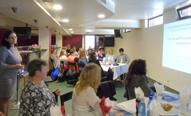 Angajați ai unor primării din Satu Mare, prezenți la seminarul privind contabilitatea instituțiilor publice