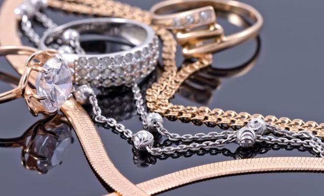 Marca statului va fi aplicată pe toate obiectele din metale prețioase comercializate în România