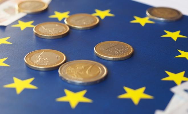 Fonduri europene pentru sprijinirea studenților defavorizați, a doctoranzilor în antreprenoriat și a cercetătorilor