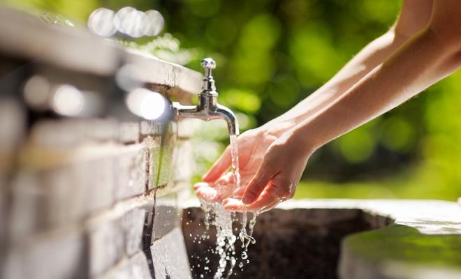 50,8% din populația rezidentă a României era conectată, în anul 2017, la sistemele de canalizare