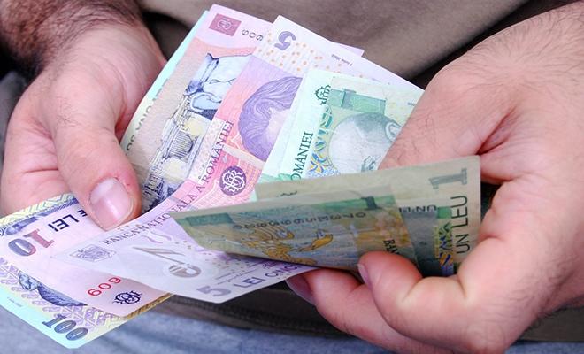 Câștigul salarial mediu nominal net, 2.704 lei în luna mai