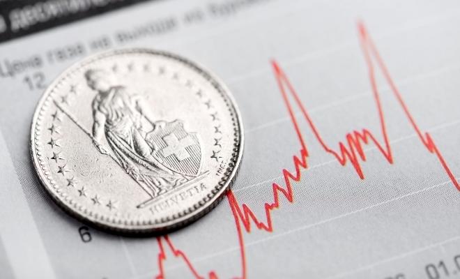 BNR: Numărul debitorilor persoane fizice cu credite denominate în franci elvețieni s-a redus la 20.651, în noiembrie