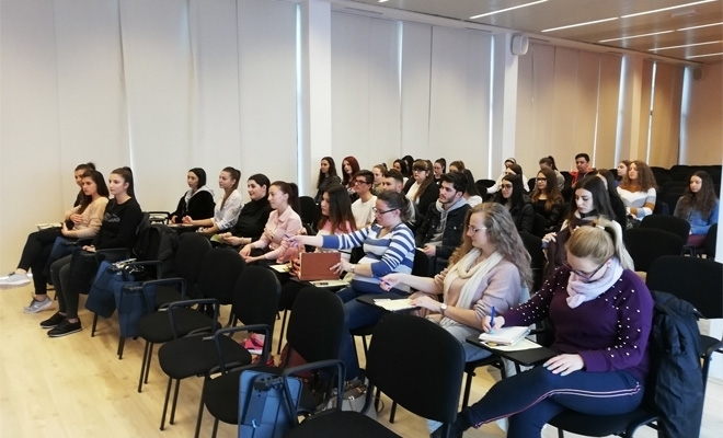 CECCAR Brașov: Studenți-masteranzi ai Universității Transilvania, în vizită la filială