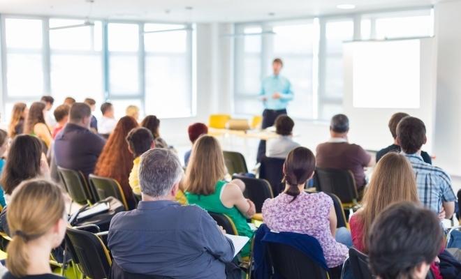 CECCAR Mehedinți: Proiecte de acte normative cu incidență fiscală, prezentate profesioniștilor contabili de specialiști ai AJFP