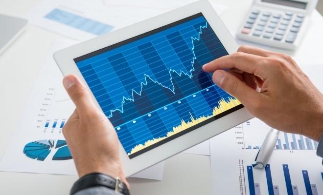 La jumătatea anului, evaluări și măsuri pentru consolidarea creșterii economice