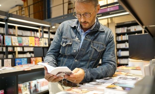 Barometrul cultural: Românii cheltuiesc de cinci ori mai puțin pe cultură decât media europeană