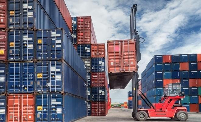 Deficitul comercial a crescut cu 2,089 miliarde euro în primele nouă luni