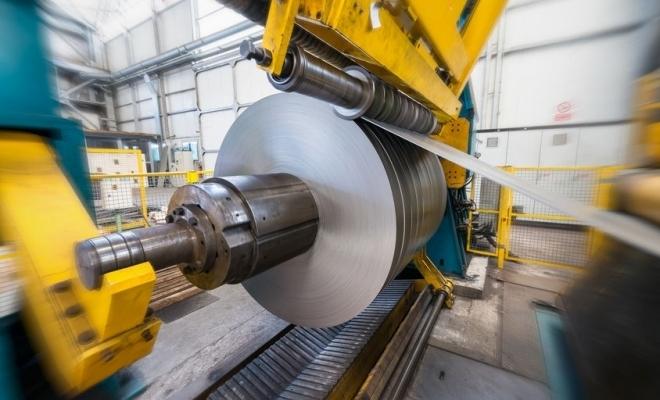 Peste 3.500 de tone de tablă groasă de la combinatul siderurgic din Galaţi, folosite la construirea podurilor peste Mureş