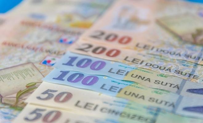 Peste 3.500 de bancnote românești false, expertizate la BNR, în 2019