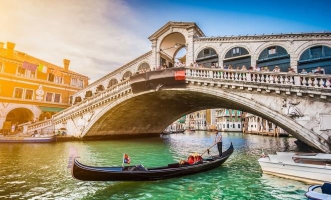 Veneția reduce numărul de locuri în gondole din cauza turiștilor supraponderali