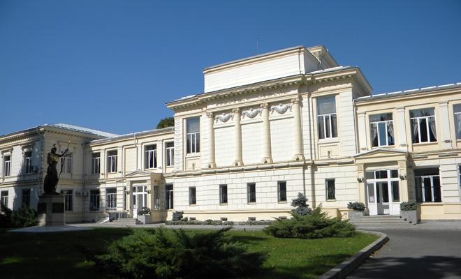 """O viziune academică despre """"România în și după pandemie"""""""