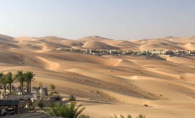Abu Dhabi caută soluţii în deşert şi în spaţiu pentru a-şi creşte producţia de alimente