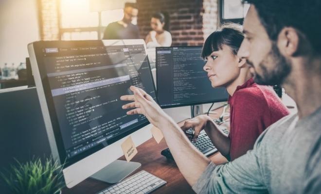 Piața locală de software va depăși 8,2 miliarde de euro în 2020, un nou maxim istoric