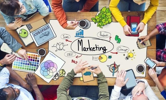 Antreprenorii români alocă bugete între 5.000 și 200.000 euro pentru branding și marketing online