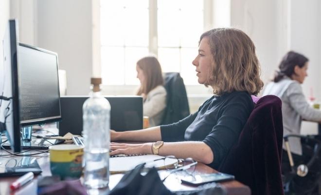 Kaspersky: Jumătate dintre femeile care activează în IT susțin că pandemia de COVID-19 a întârziat progresul în carieră