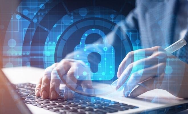 Peste jumătate dintre persoanele care au folosit internetul în 2020 și-au luat măsuri de protecție a datelor personale