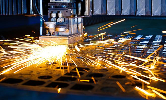 INS: Producţia industrială s-a diminuat cu 9,2% anul trecut