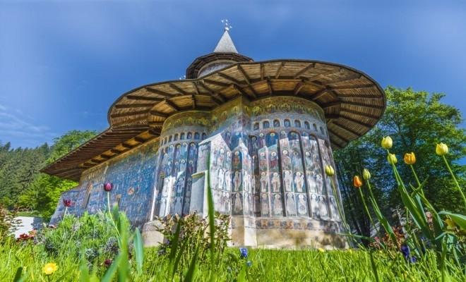 Mănăstirea Voroneț, izvor de frumusețe și credință