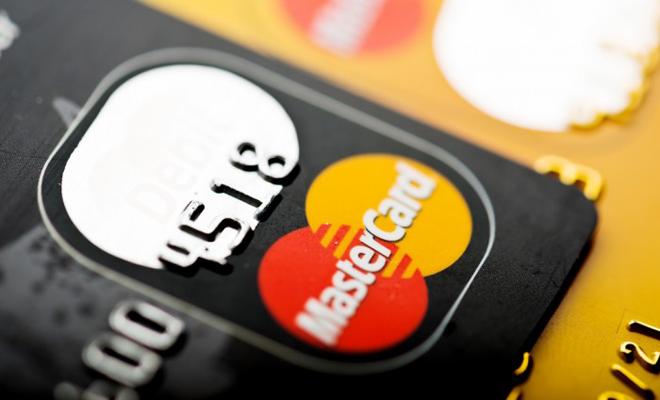 Mastercard: Cinci din zece români optează pentru autentificarea biometrică când autorizează tranzacții online