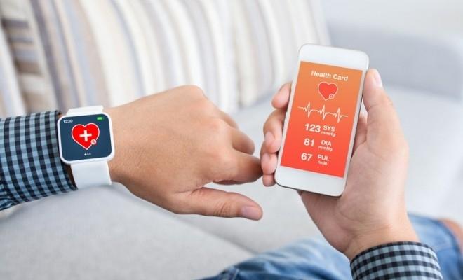 Peste jumătate dintre români își monitorizează starea de sănătate cu ajutorul telefoanelor smart