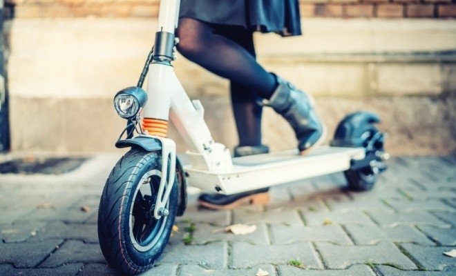 Cea mai mare fabrică de scutere electrice din lume va angaja numai femei