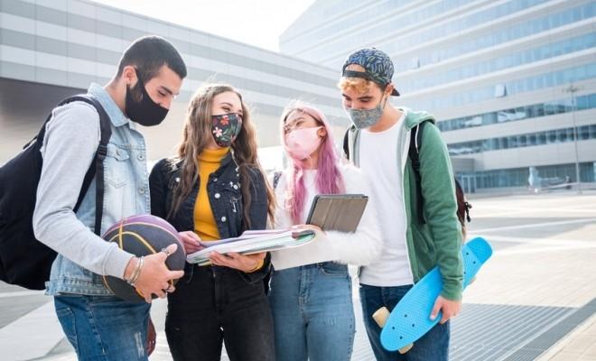 CE a lansat noua aplicație Erasmus+, cu o legitimație europeană de student integrată