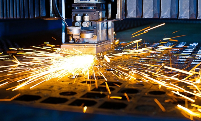 Cifra de afaceri din industrie a crescut în mai cu 11,4% faţă de aceeaşi lună a anului trecut