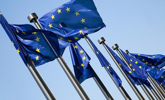 Studiu: Tehnologiile inovatoare ce diminuează poluarea atmosferică pot aduce economii de 183 miliarde euro cetăţenilor UE