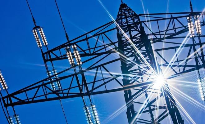 Energia se scumpeşte cu 3,5 lei pe an în medie din ianuarie, după ce ANRE a majorat tarifele de distribuţie