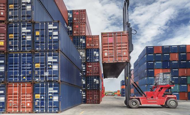 Deficitul comercial al României a crescut cu 16,8% anul trecut, la 15,1 miliarde de euro