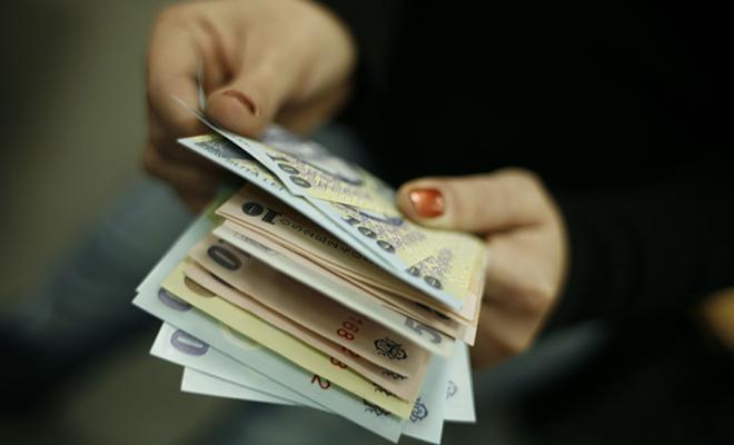 Câştigul salarial mediu net a crescut anul trecut cu 12,5%