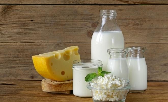 Eurostat: 37% din laptele din UE a fost folosit pentru a produce brânză