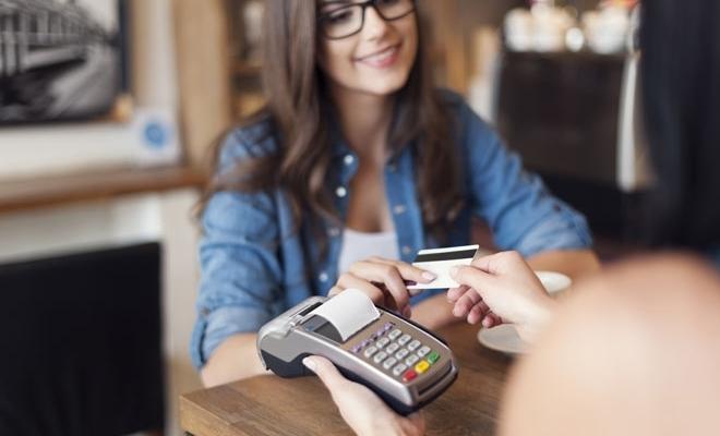 Bacşişul, evidenţiat pe bonul fiscal; nota de plată va conţine rubrici destinate alegerii nivelului bacşişului, care poate varia între 0% şi 15%