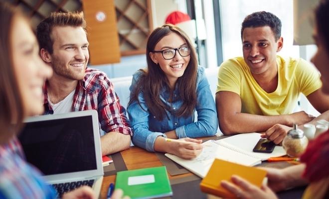 Studiu: Cinci români din zece își doresc să fie antreprenori sau freelanceri