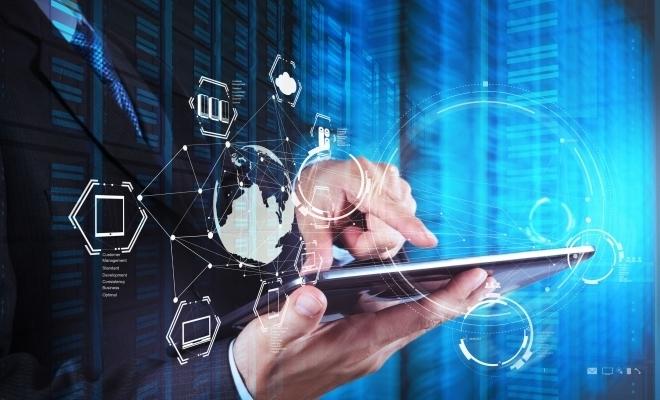 Doi din trei români utilizează cel puţin un serviciu digital