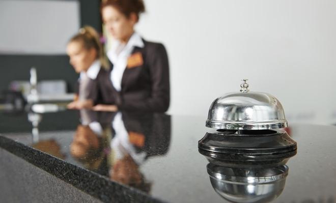 Numărul de sosiri ale turiştilor în structurile de cazare a scăzut cu 57,9% în primele cinci luni