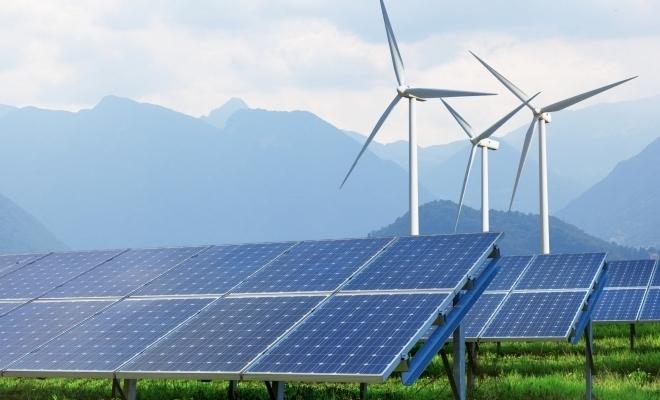Ember: Turbinele eoliene şi panourile solare au produs 10% din electricitate pe plan global, în primul semestru