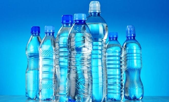 Ministrul Mediului: Românii care cumpără băuturi la PET şi sticlă vor primi bani înapoi dacă returnează recipientul