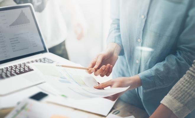 A fost promulgată Legea privind modificarea şi completarea unor acte normative; sunt prevăzute modificări referitoare la înmatricularea unui comerciant la registrul comerțului și depunerea declarației privind beneficiarul real