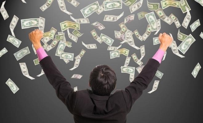 Studiu: Miliardarii lumii au devenit şi mai bogaţi în timpul pandemiei