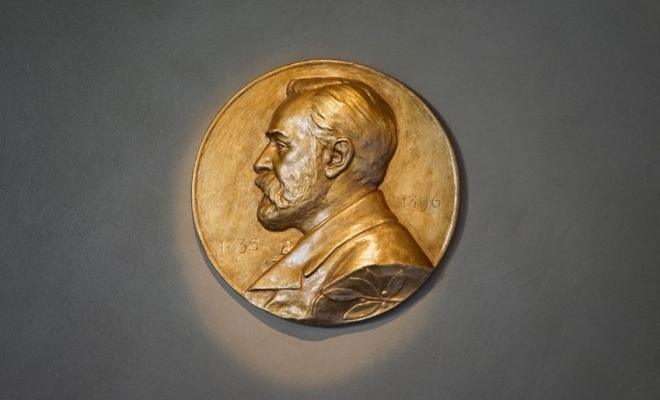 Premiul Nobel pentru Economie, atribuit americanilor Paul R. Milgrom și Robert B. Wilson