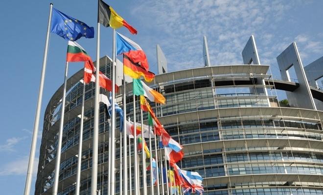 """Nivel-record al cererilor pentru prima emisiune de obligaţiuni """"SURE"""" a Uniunii Europene"""