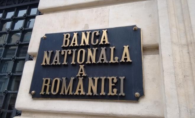 BNR: Incertitudini şi riscuri crescute decurg din perspectiva conduitei politicii fiscale şi a celei de venituri