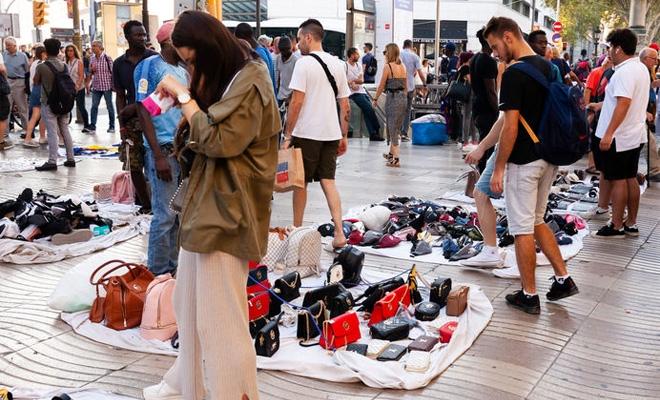 Studiu: Achiziţionarea de produse contrafăcute a înregistrat o scădere în Europa