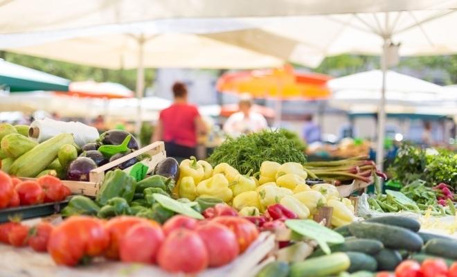 Hotărârea nr. 56/2020 a CNSU: Va fi reluată activitatea piețelor agroalimentare organizate în spații închise, începând din acest weekend