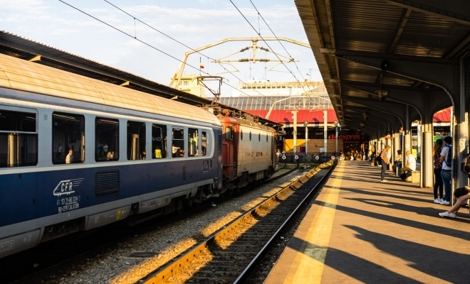 ARF: Peste 60% din totalul facilităţilor acordate la călătoria cu trenul sunt cele pentru studenţi, în 2019