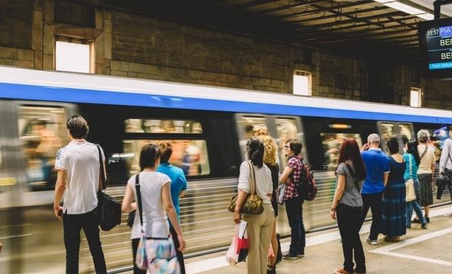 Trenurile de metrou vor circula la un interval de 9 minute în perioada Crăciunului
